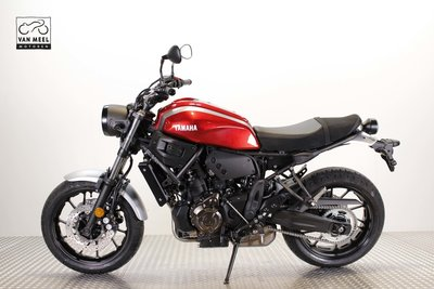 YAMAHA XSR700 Rood