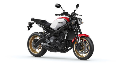 YAMAHA XSR900 Dynamic White