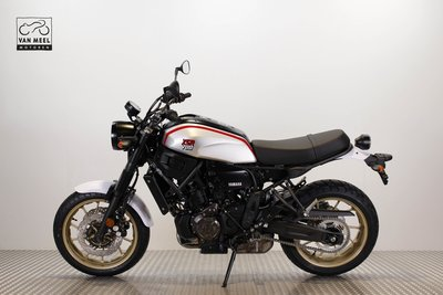 YAMAHA XSR700 Matt Grey