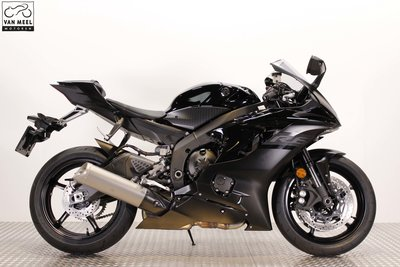 YAMAHA YZF-R6 Midnight Black