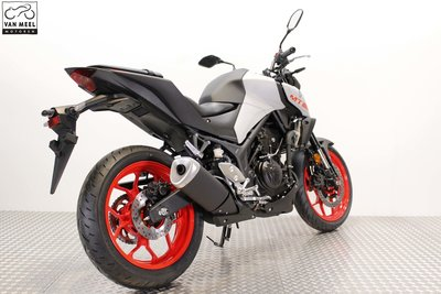 YAMAHA MT-03 Ice Fluo