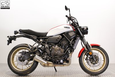 YAMAHA XSR700 Dynamic White