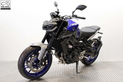 YAMAHA MT-09 Icon Blue huurmotor