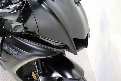 YAMAHA YZF-R1 Midnight Black